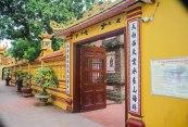 Entrance of west lake hanoi